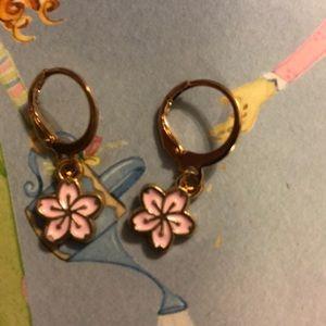 🌸Dainty Cherry Blossom Earrings